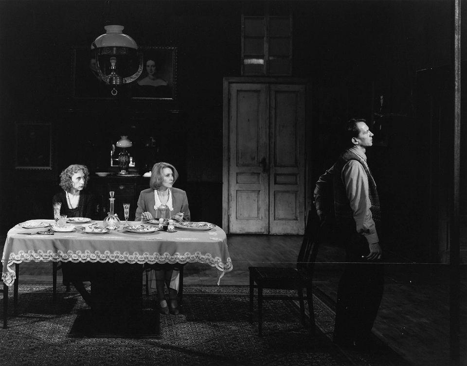 Ritter, Dene, Voss_ Fot. Marek Gardulski_Teatre Stary de Cracòvia 1996